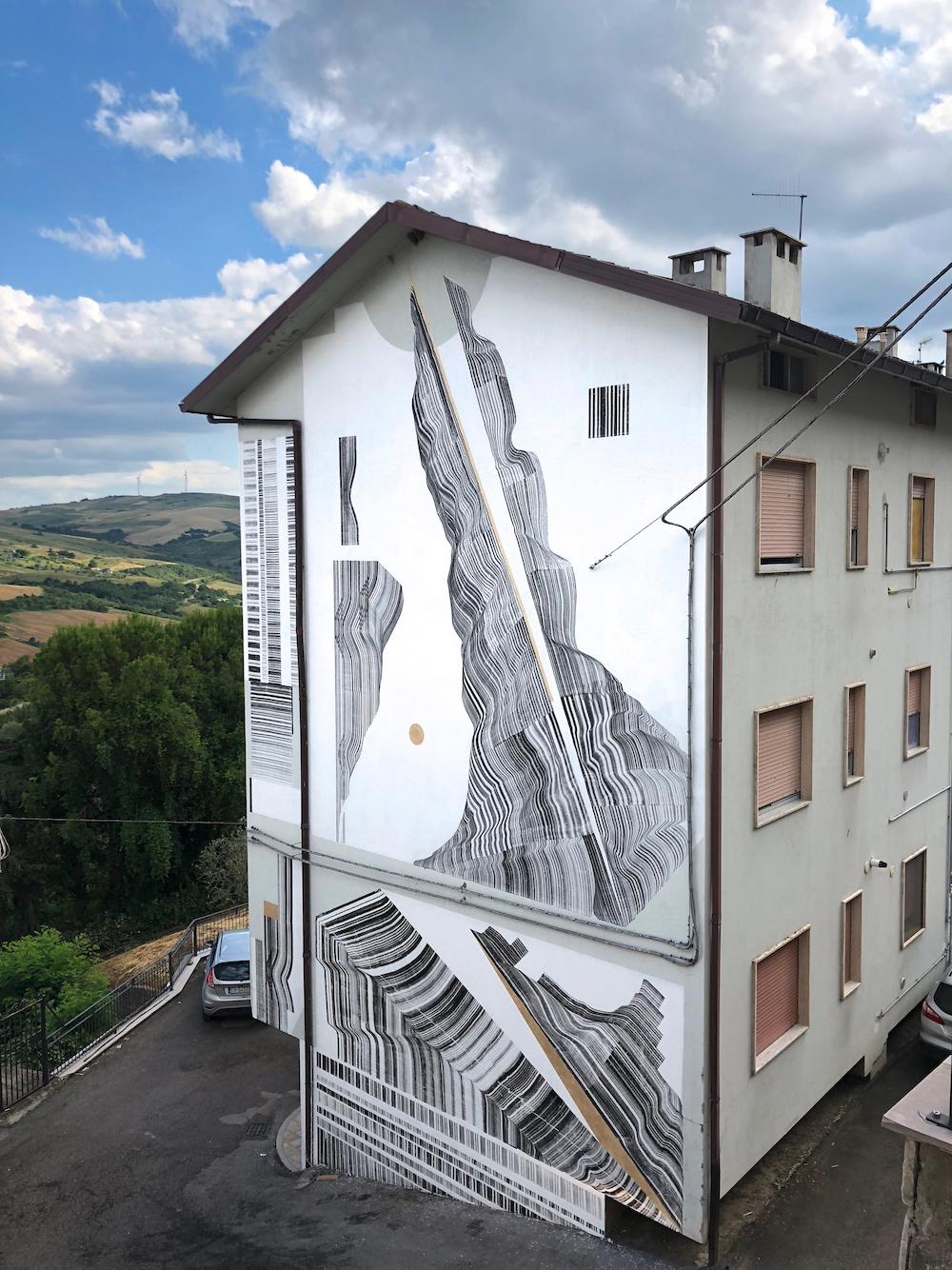 2501 street art in Civitacampomarano